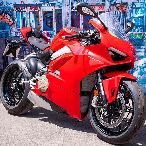 Карбонов тунинг пакет за мотор Ducati Panigale V4 Магазин Carbon Touch