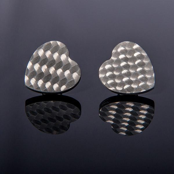 Карбонови обеци Hearts matte