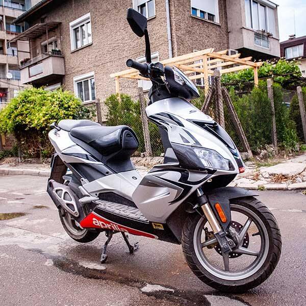 Карбонов тунинг пакет за скутер Aprilia SR  Магазин Carbon Touch