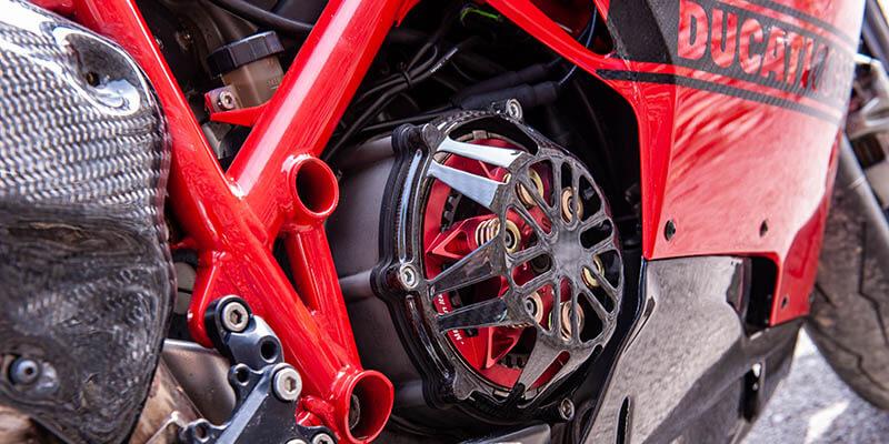 Карбонови части за мотор