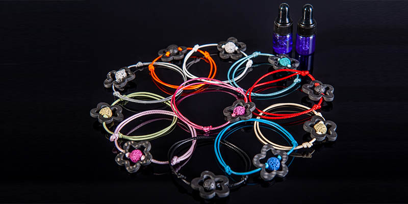 Carbon fiber aroma bracelets with essential oil
